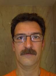 Antonio con bigote, sin comentarios