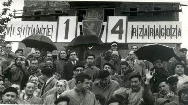 Campo de fútbol de Torrero en Zaragoza. Fotografía de Ángel Aznar, tomada del sitio web de Rafael Castillejo en www.rafaelcastillejo.com